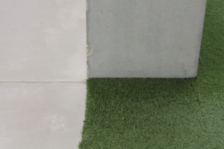 MAXXI-Nature-Forever.-Piero-Gilardi-02-Exhibition-Grass-Detail