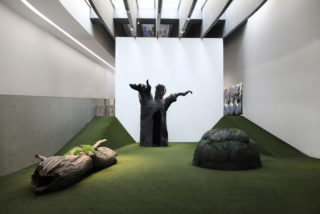 MAXXI-Nature-Forever.-Piero-Gilardi-07-Exhibition-View-Artwork-Grass