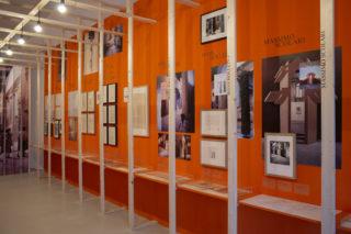 11-ESS-Dentro-la-Strada-Novissima-MAXXI-Exhibition-Post-modern-Neon-Typography