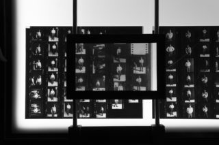 04-ESS-MAXXI-Elisabetta-Catalano-Exhibition-Photography-Portrait-Detail-Table-Contact-sheet-Magnifier